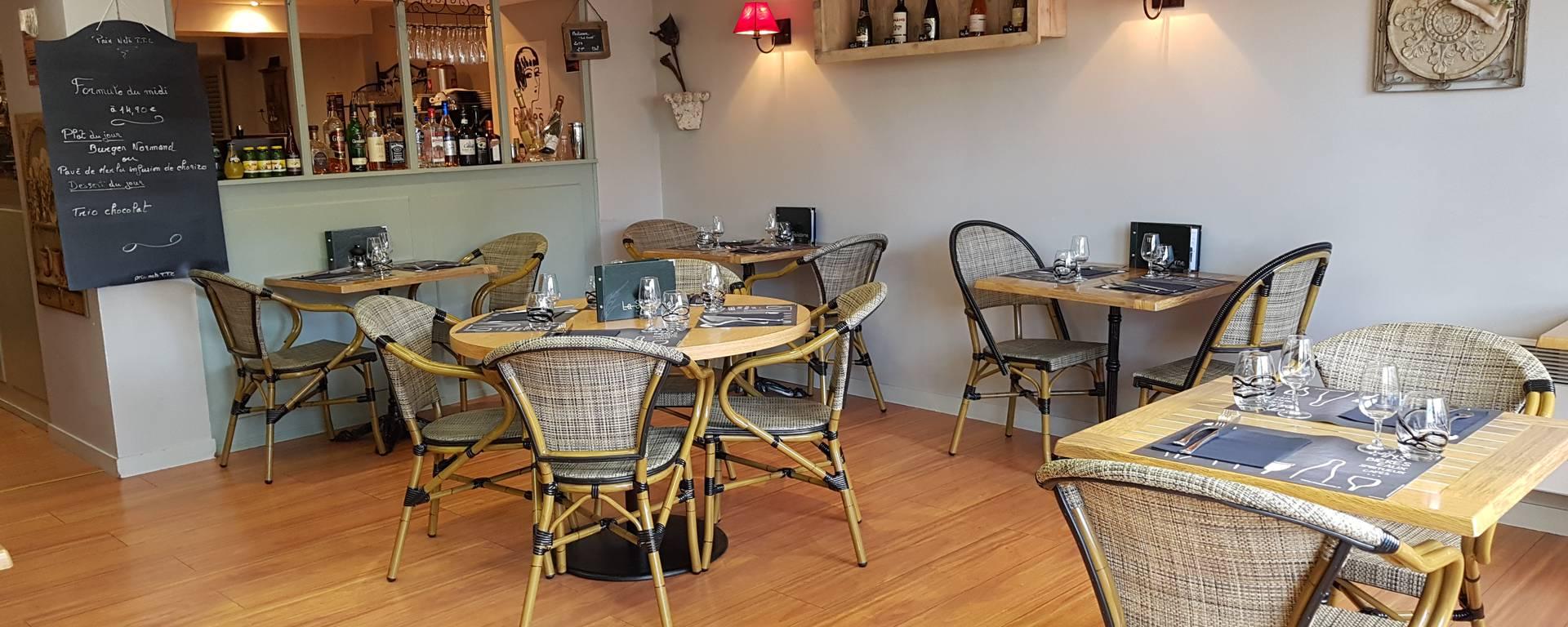 Salle du restaurant-la salicorne