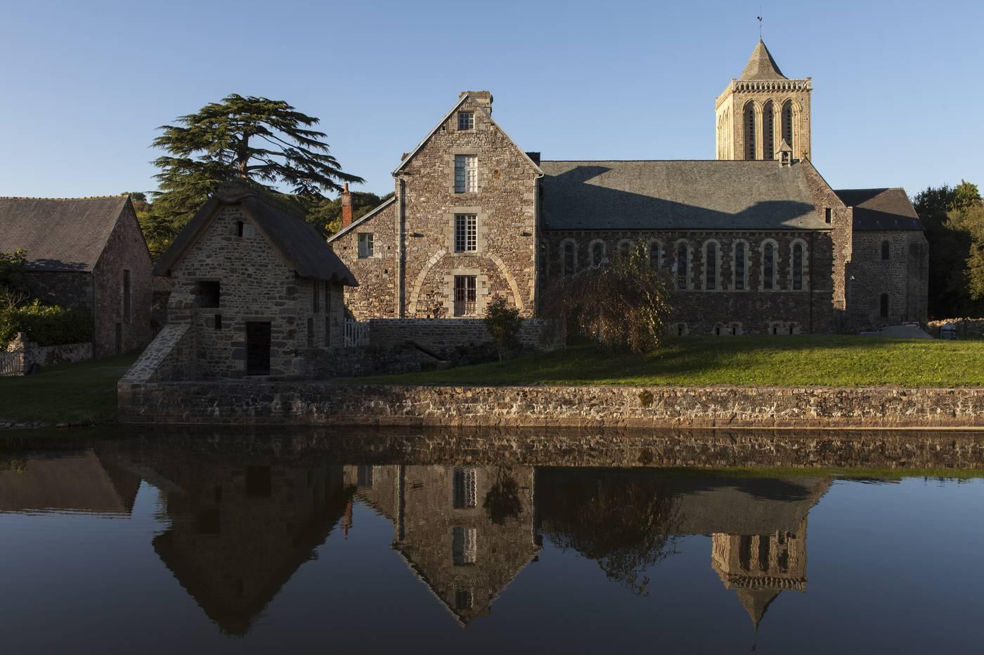 L 39 abbaye de la lucerne destination granville terre et mer - Office du tourisme de granville ...