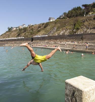 piscine eau de mer Granville plongeon bain plat-gousset