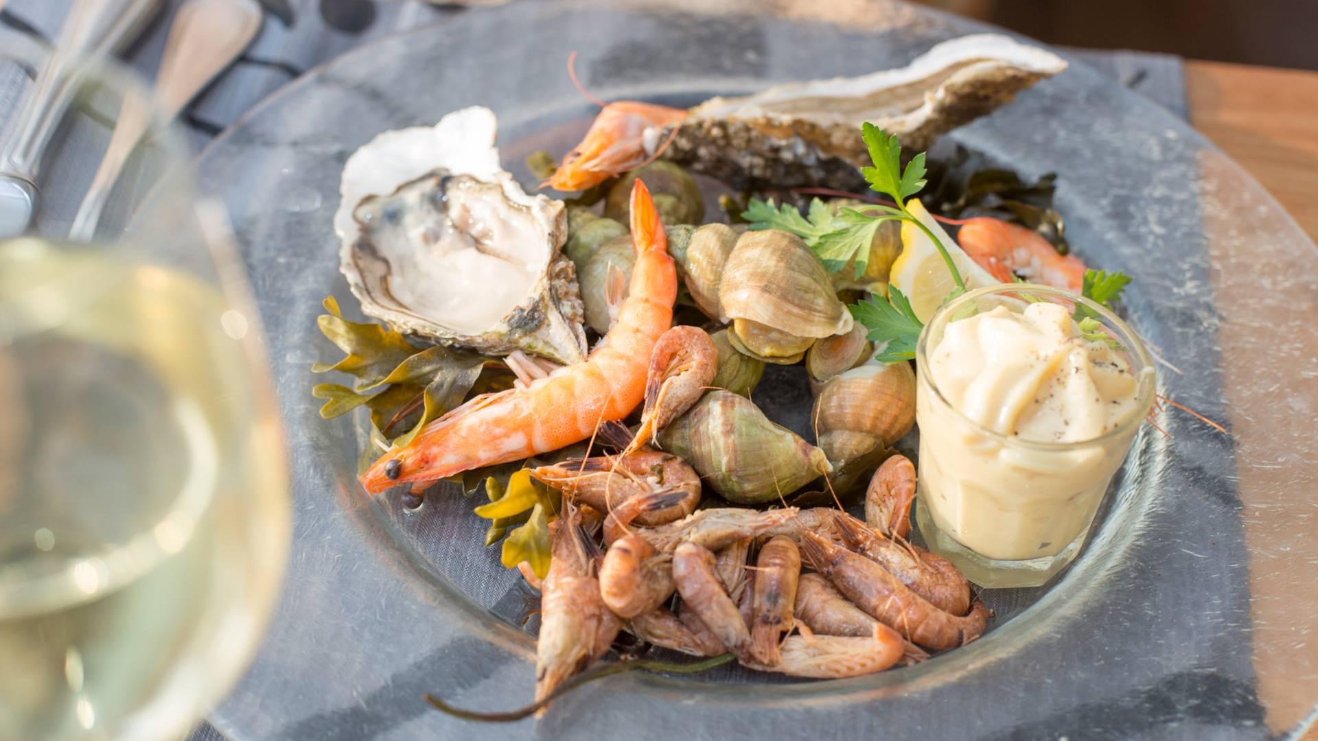 Crevette bulot huitre fruits de mer plateau