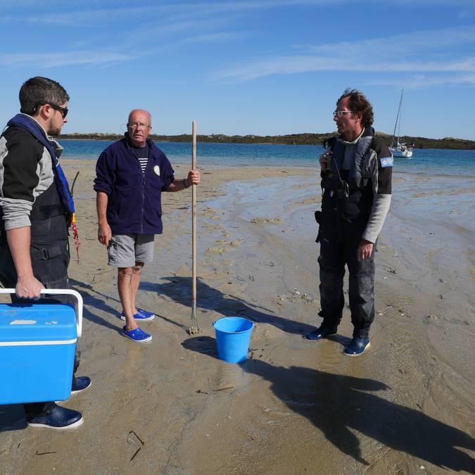 Chausey pêcheurs à pied SYMEL conservatoire du littoral