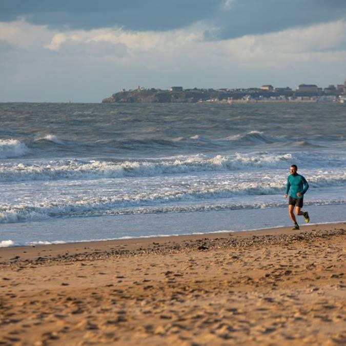 running plage carolles